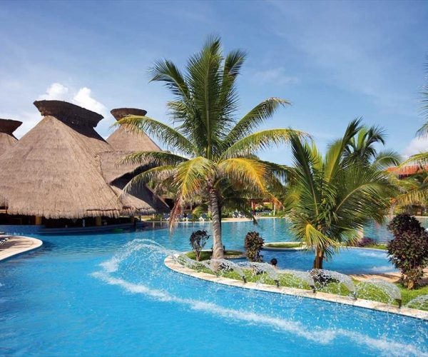 247-swimming-pool-hotel-barcelo-maya-tropical_tcm20-36136_w933_h713_n