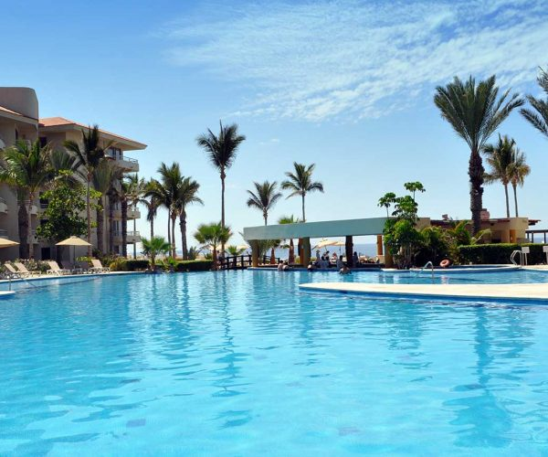363-swimming-pool-2-hotel-barcelo-grand-faro-los-cabos_tcm7-29413_w1600_n