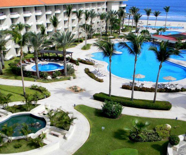 363-swimming-pool-3-hotel-barcelo-grand-faro-los-cabos_tcm7-29415_w1600_n