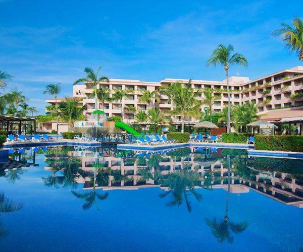 68-swimming-pool-hotel-barcelo-huatulco-beach_tcm7-31175_w933_h713_n