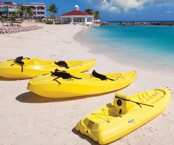 HRH_Riviera_Maya_Beach_Kyaksx1000Crop