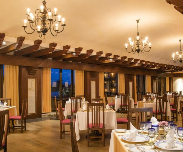 68-restaurant-16-hotel-barcelo-huatulco-beach_tcm7-101507_w1600_n